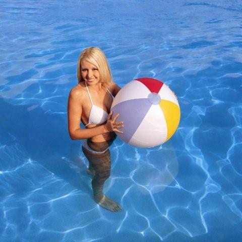 31022 Мяч Bestway четырехцветный, 61 см